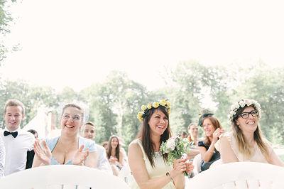 cérémonie laïque invités pastel lily