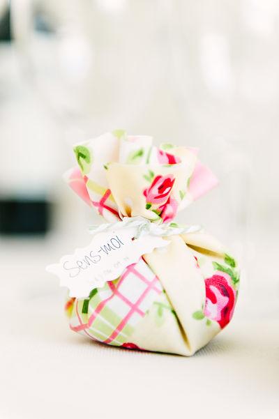 cadeau invité mariage original lavande lily peony