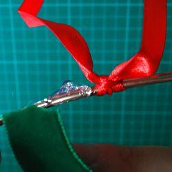 colle chaude sur cercle métal pour coller ruban
