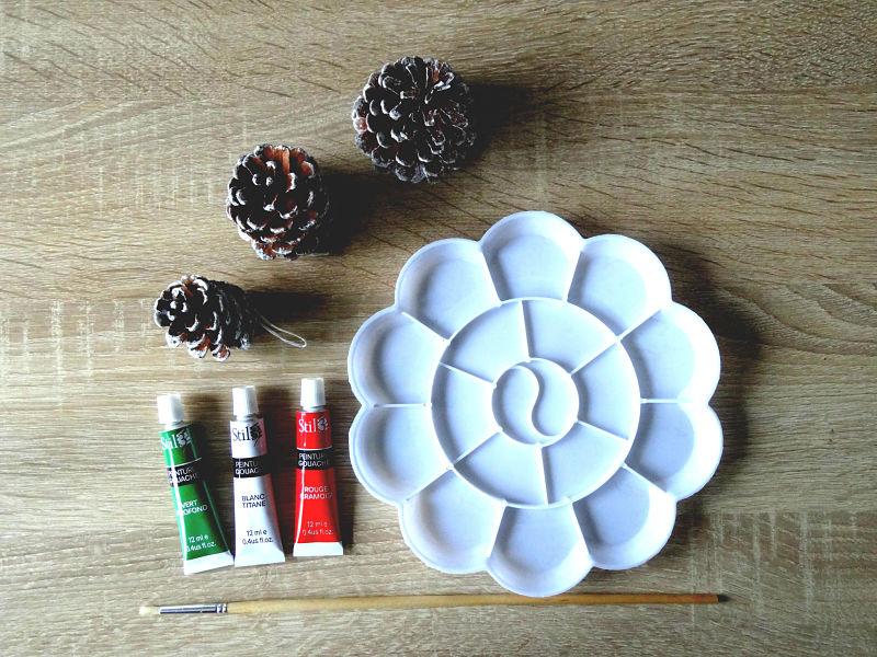 peinture gouache pomme de pin et matériel de peinture
