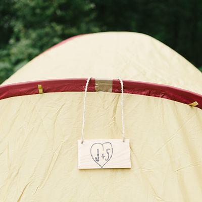 panneau tente camping mariage